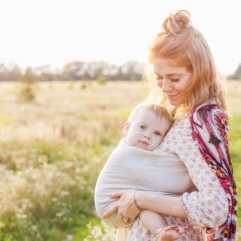 benefits of baby wearing